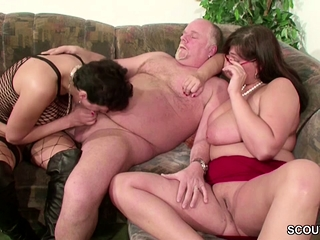 Gerstud cougar and Mature pound with senior stud in three-way free sex
