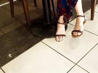 Candid dame enormous lengthy feets, lengthy inborn toes sex tube