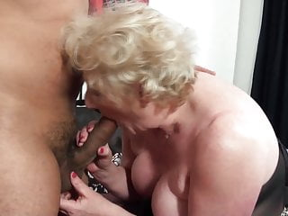 Brit older slut's gash requires a fresh large rod every day porn tube