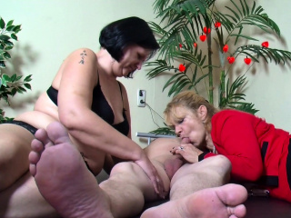 Elderly German duo at first-ever 3 way with enormous titties Mature sex video
