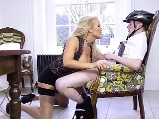 Mother hard-core tights Having Her Way With A newcomer sextube