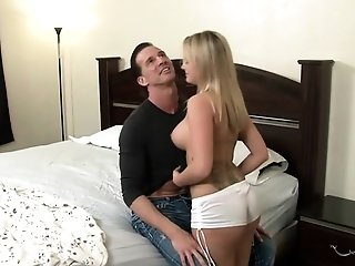 Youthfull sweetheart knows what he wants freesex
