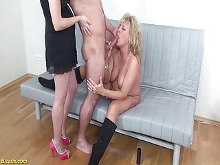 Lush mommy 3some knuckle romped freeporn