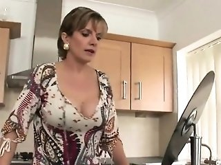 Unfaithful uk mature doll sonia flashes her ginormous bo18qNq sex tube