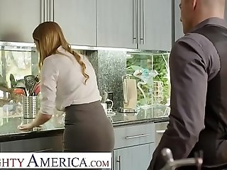 Insatiable America Real Estate agent Bunny Colby does what it takes to close free sex