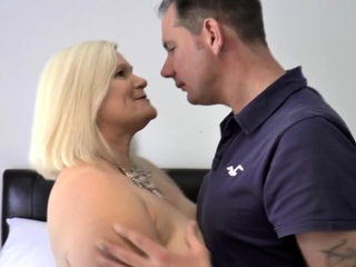 Mature british Lacey Starr gets cooter ate freesex