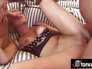 Renata Rey gets her caboose opened by 2 enormous shafts sextube