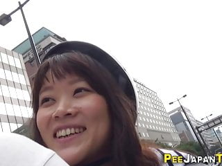 Japanese leaves pee spill in public street sexvideo