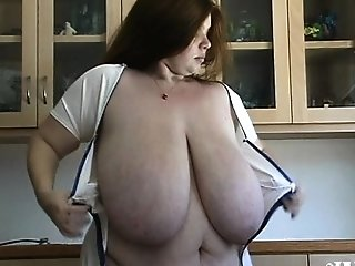 Ample milk cans plumper cougar boinked by junior dude Angelynne sex video